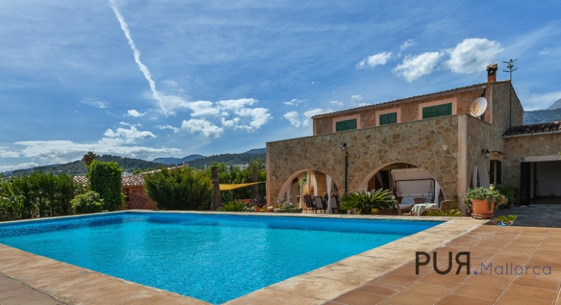 Selva - Charming little finca with stunning views of the Tramuntana.