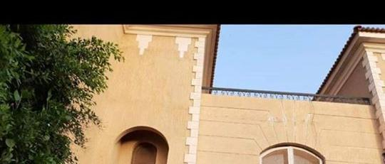 A very elegant twin house for sale in Mena Garden City