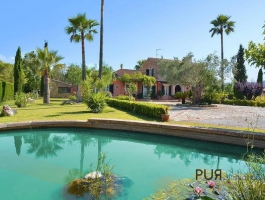 Finca with guest house. Extravagant. Just something special. With holiday rental license.