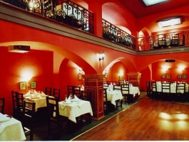 Restaurant in a piece of living history in Brasov