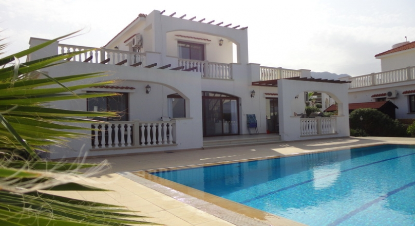 3 bedrooms villa, Bahceli