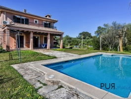 Muro - Large finca with rental license. Ideas for use? Lots.