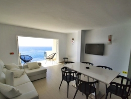 1st row. 180 degree sea view. Top renovated apartment. Mallorca to feel good.