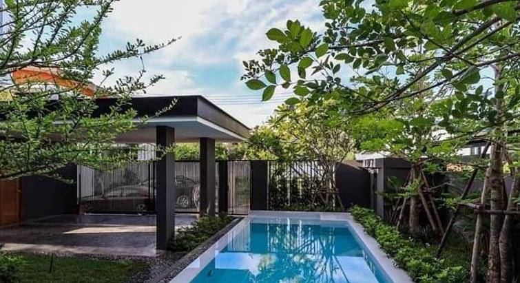 PERFECT Modern Pool house for SALE...