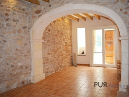 Capdepera. Town house. Very Mediterranean. With a large roof terrace.