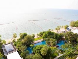 ZIRE Wong Amat - beachfront condominium
