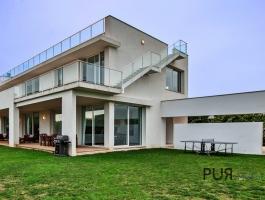 Purism PUR. Bright architect villa in Port de Pollenca. Design at every turn.