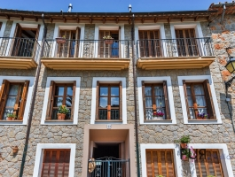 Esporles - Townhouse in the best Mallorcan style. Fantastic view of the mountains.