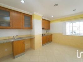 2 bedroom apartment located in Quarteira.