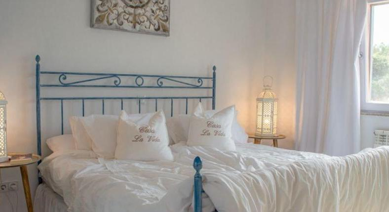 Capdepera. Finca with guest house. Vacation rental license.