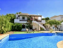 Villa en venta 6 dormitorios con vistas al mar en San Jaime Moraira