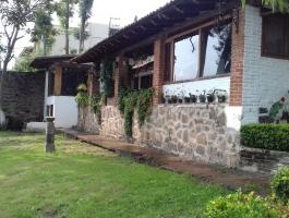 Hermosa casa en renta con acceso y vista al lago