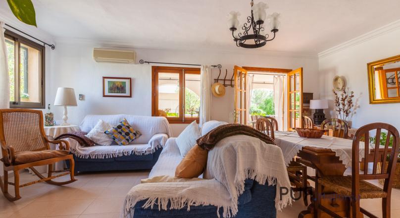 Selva - Charming little finca with stunning views of the Tramuntana.