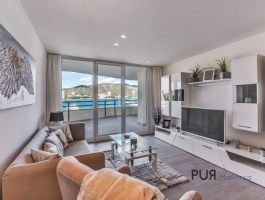 Palmanova. Apartment. Torrenova district. Completely renovated. 1st sea line.