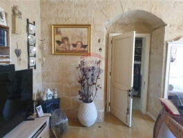 Character Filled Residence In The Heart Of Haz-Zebbug
