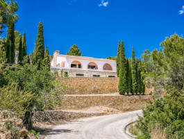 Finca for sale in Calpe with lovely views over the Bay and the Peñon Ifach