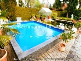 Berlin - Heinersdorf Stylish single family house with heated pool & sauna, winter garden, garage