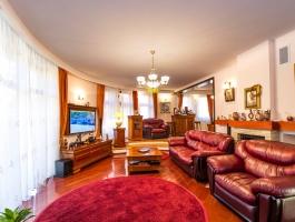 residence in presentation royal Central, Brasov