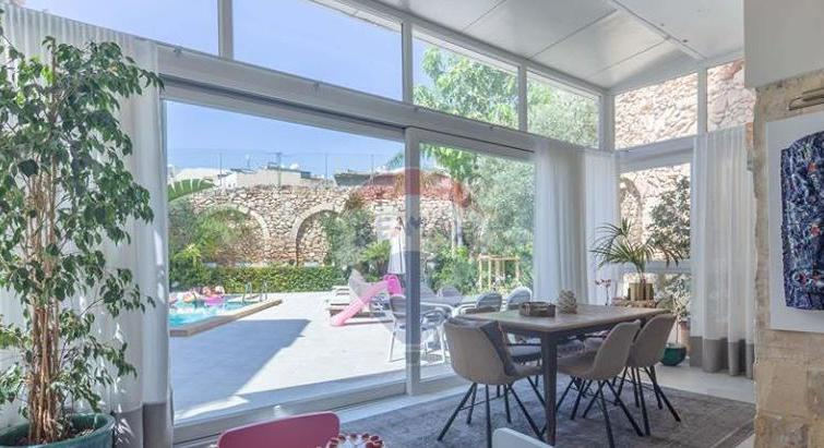 BIRKIRKARA - HOUSE OF CHARACTER WITH BACK GARDEN AND POOL