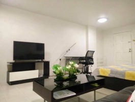 Condo For Rent Near Old City