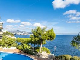 Cala Vinyes. Apartment. 1st sea line, sea view. Sea access
