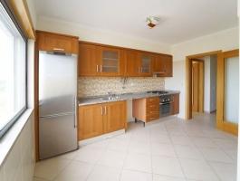 Fantastic semi-new 2 bedroom apartment