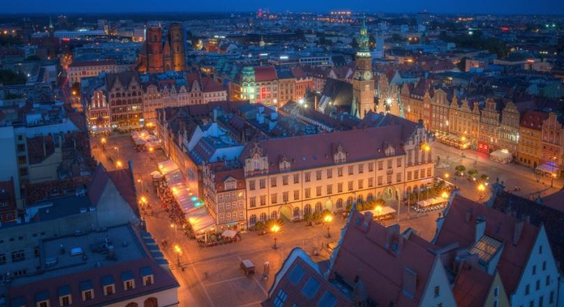 NEW Commercial space in Wrocław/Poland, 6 500 m2 / 700 000 ft2