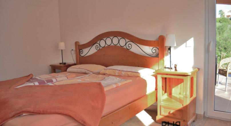 The southeast is calling. Cala Mandia. Apartment. 300 m to the beach. Big apartment. Little price.