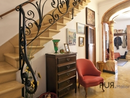 Muro. Town house. For renovation. Lots of space. Little price. And a lot of Mallorca.