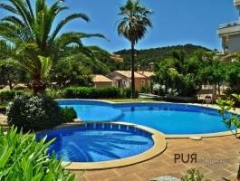 Camp de Mar. Very well maintained apartment. Very well maintained facility. Very close to the sea