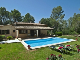 Very well maintained finca in a quiet location. Between Pollenca and Alcudia. View of the Tramuntana.