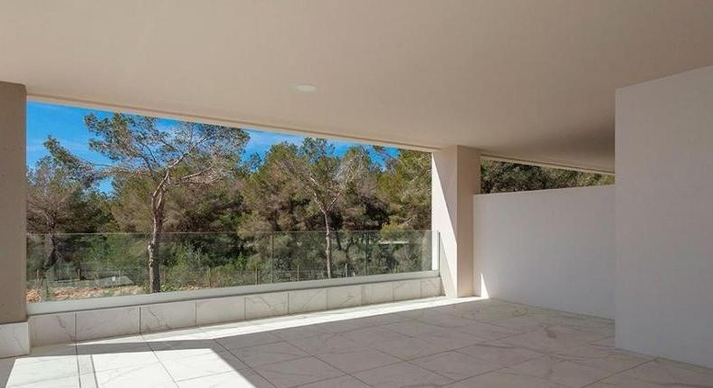 Apartment in Nova Santa Ponsa. After golfing in the evening to Port Adriano