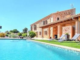 Impressive large and modern finca in Llucmajor with 4 bedrooms - FOR SALE