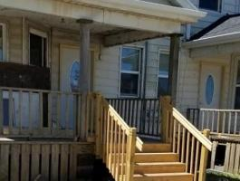 Financing Available | Duplex in Waterloo, IA | For Sale Or Lease!