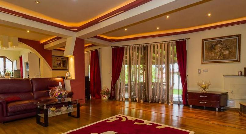 FILM PRESENTATION! Distinctive villa, harmonized with the beauty of the compositional lines, Cristian, Brasov