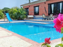 VILLA  WITH POOL FOR  SALE NEAR TO CARTAGENA DE INDIAS, COLOMBIA.