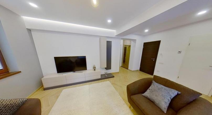 EXPLORE VIRTUALLY! LUX Class residence, with terrace and underground garage