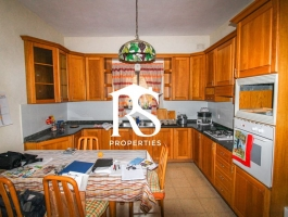 Fgura - Bargain Terraced House + Garage !!