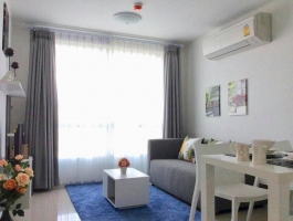 A 37.5 Sq M. One bedroom and separate living area and kitchen on 5 Floor at D' Vieng Santitham Condo.