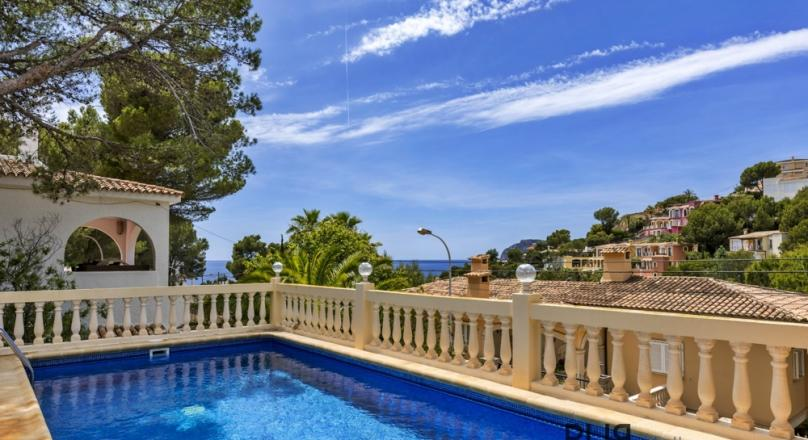 Costa Calma. Villa. Modern equipment. A lot of light. And sea view.