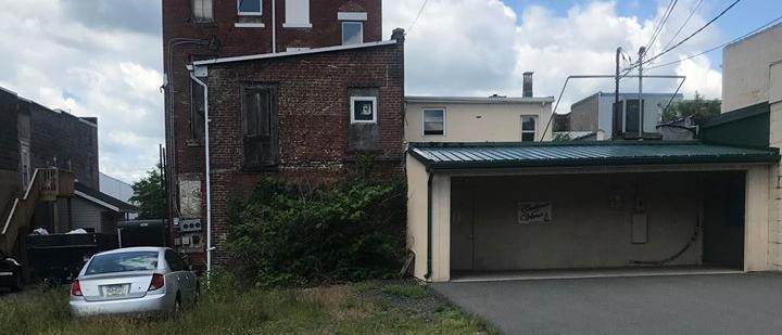 3 bedrooms - 2 bath - Apartment / Condo, 27 S Oak St, Mt Carmel,