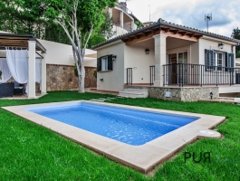 Campanet. A chalet with high comfort. View of the bay of Alcudia.