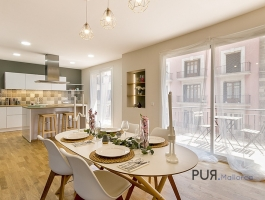 You have always been looking for a good old town apartment in Palma? Here she is. In the middle.