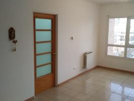 2 BEDROOM 1 EN SUITE DEPARTMENT FOR RENT WITH GARAGE. CENTRAL