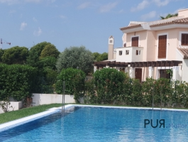 The own house. In the middle of a wellness oasis. At the golf course. A stone's throw to Port Adriano.