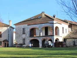At the heart of a village 20 minutes from Moissac