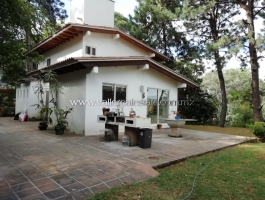 EXCELLENT HOUSE FOR RENT WITH SPACIOUS GARDEN