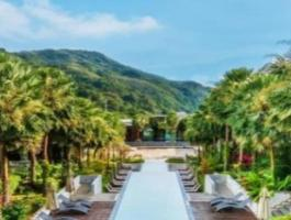 Phuket Quality Real Estate offers for sale this beauty of a 5 * hotel