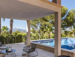 Santa Ponsa. A villa with a lot of Mallorcan flair. Highest quality. And...