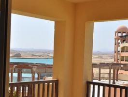 Luxury Apartment pool & marina view